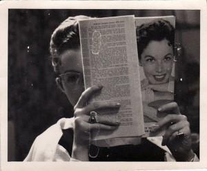 1950s-reading-magazine